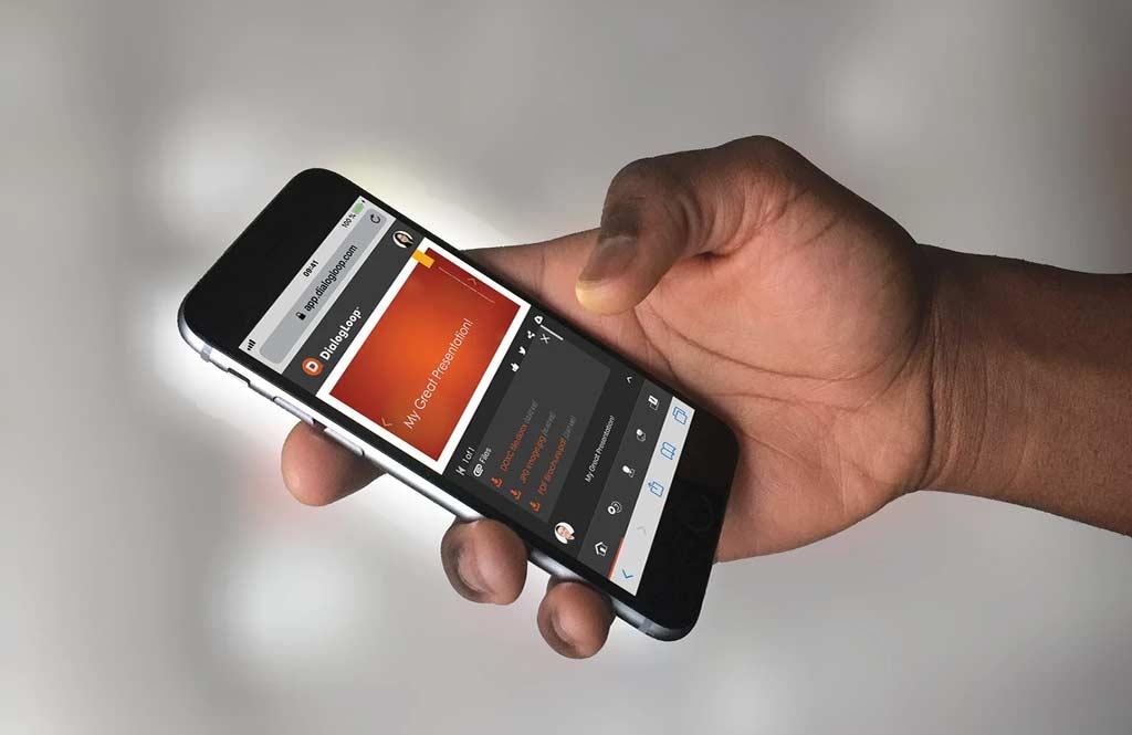 iPhone Black Hand MyGreat Presentation